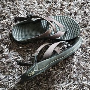 Chaco w7 slip on strappy sandals